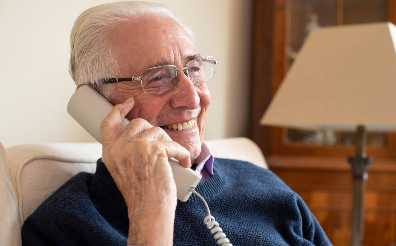 9 reasons to bring back your home phone - blog post image