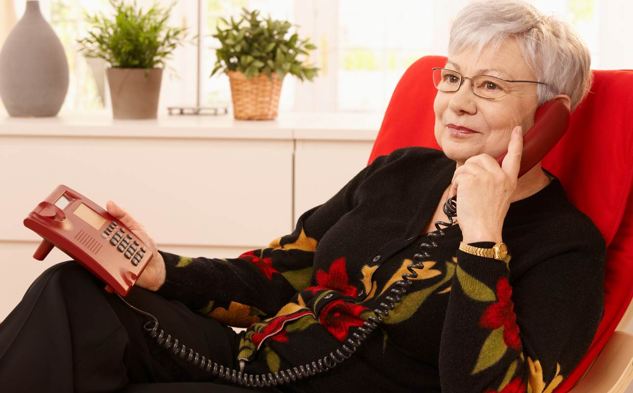 VoIP: Low-cost landline alternative for seniors - blog post image
