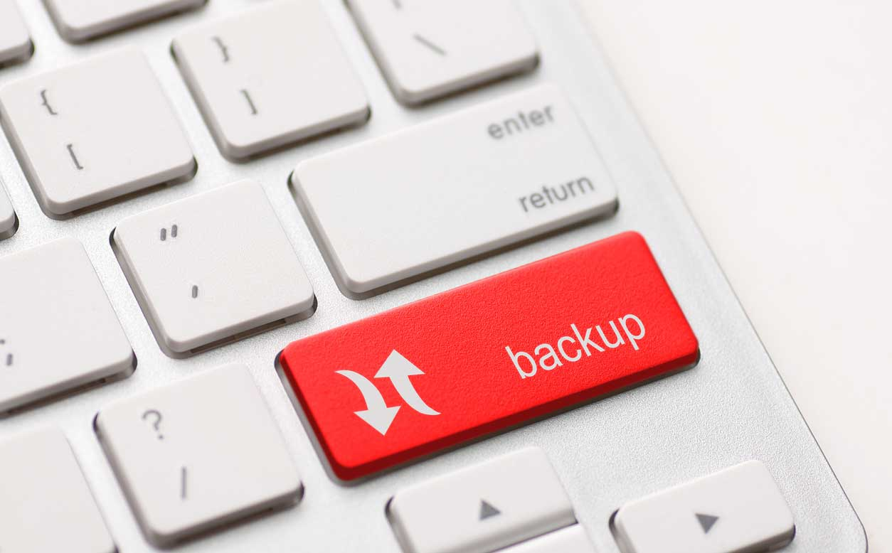 Simple steps to back up your files in 2021 - blog post image