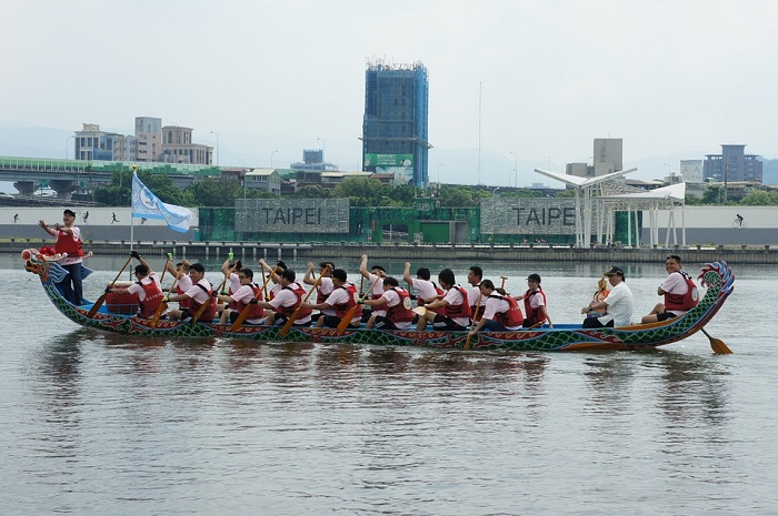 celebrating-the-dragon-boat-festival