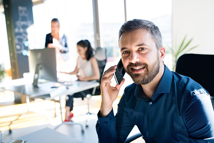 How Consultants Are Using VoIP to Improve Client Experiences - blog post image