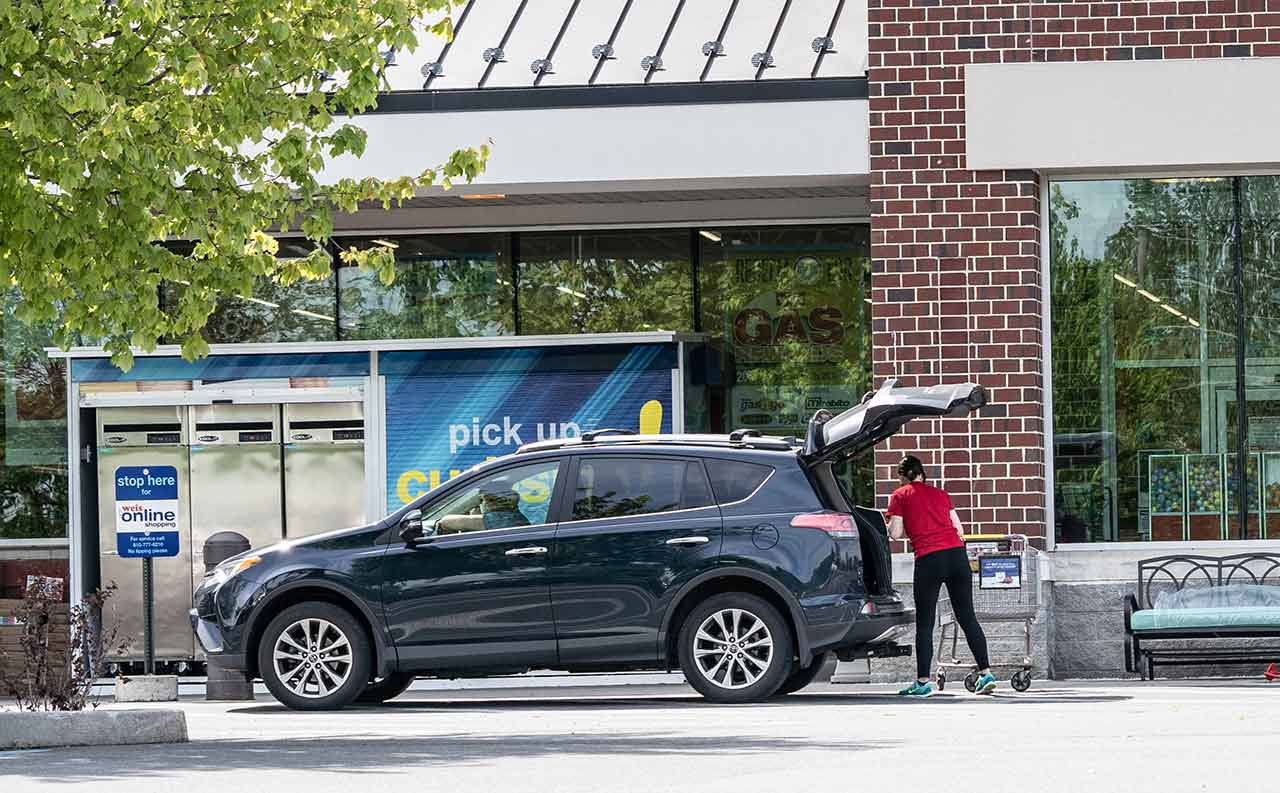 The 5 curbside pickup lessons you can learn for your local retail store. - blog post image
