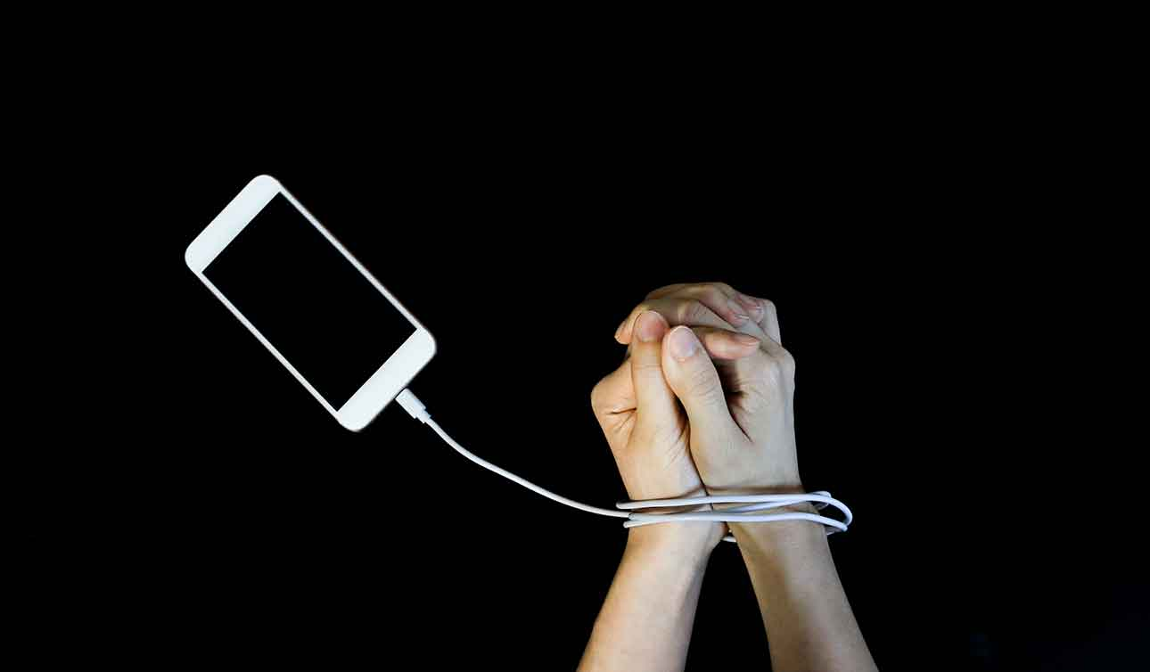 Smartphone addiction and your health: what the science says - blog post image
